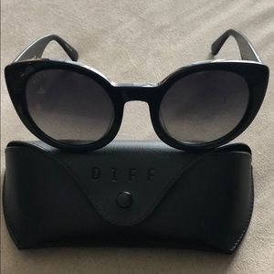 Diff Eyewear Luna Polarized Sunglasses